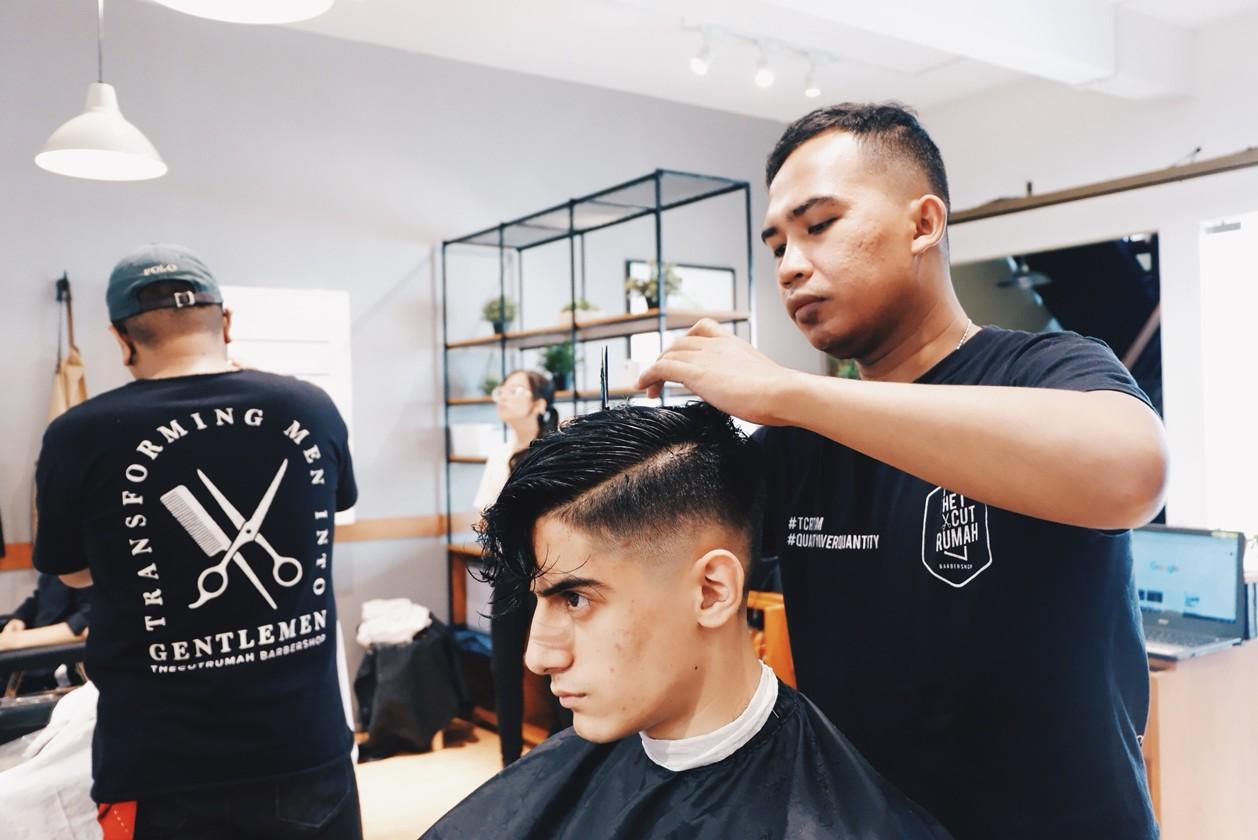 5 Barbershop Bandung Terbaik Yang Harus Kamu Kunjungi Tezzen